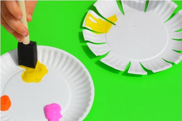 13 Colorful Flower Crafts For Preschoolers