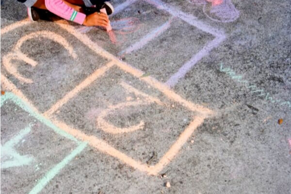 sidewalk chalk hop scotch
