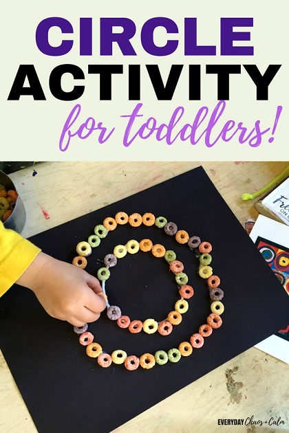 Circle Activity for Toddlers: Toddlers love to make crafts. Try this fun and engaging circle craft that uses colored cereal to help your toddler learn about circles!