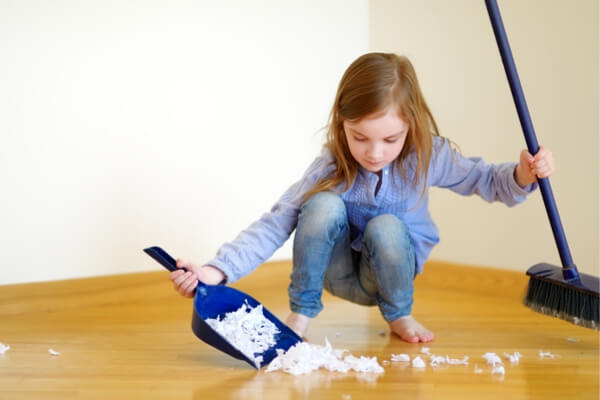 toddler stoop to clean up